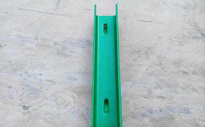 U C型刺钢丝立柱