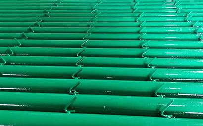 圆管刺铁丝围栏立柱