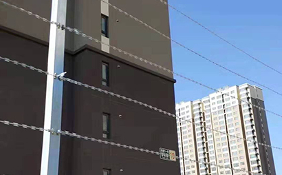 断电报警刀片刺丝围栏